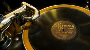 preview_old-phonograph